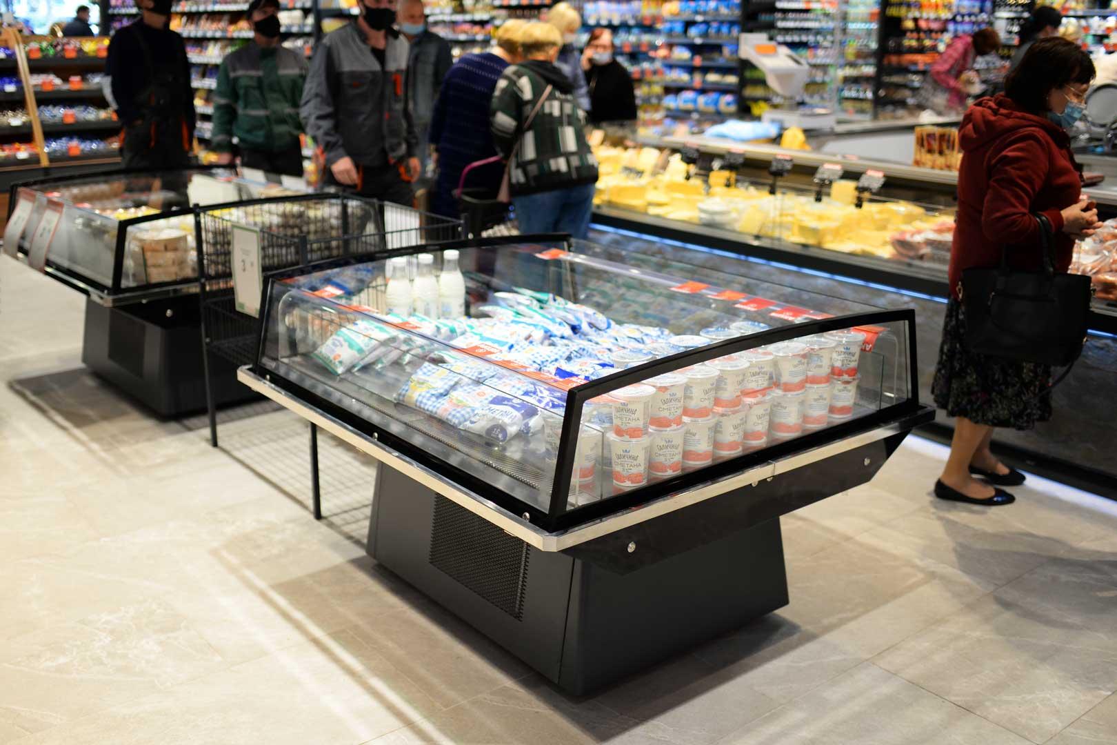 "Promotional merchandisers Virginia AK 115 deli self 084, supermarket ""Semya"""