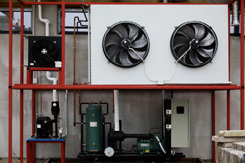 Refrigerated cooling plant
